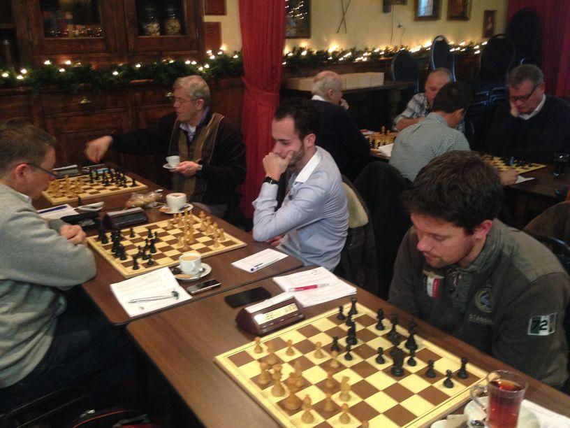 Moderne Dubbelschaak wint zonder te winnen!