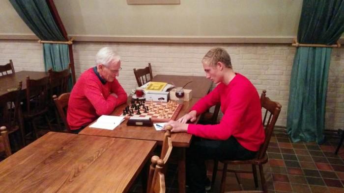 The men in red. Christiaan tegen Ebe.