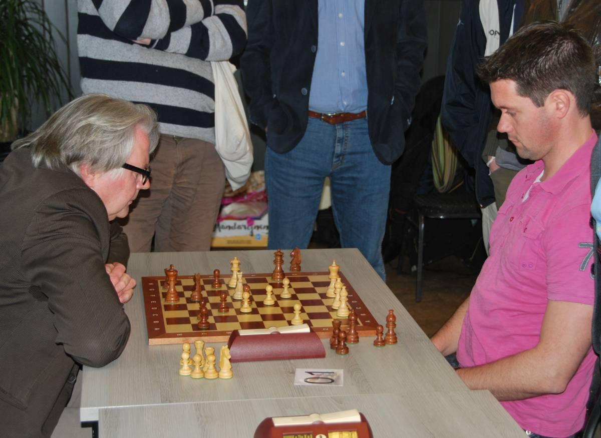 Een leuke aanvalspot tegen Dirk Hoogland (foto website Elster Toren)