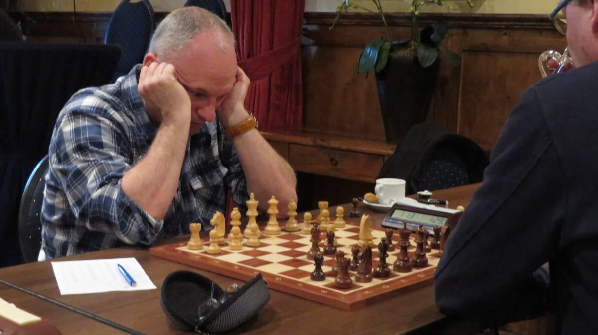 Rob kreeg de voor hem onbekende zet ..,e5 te verwerken...