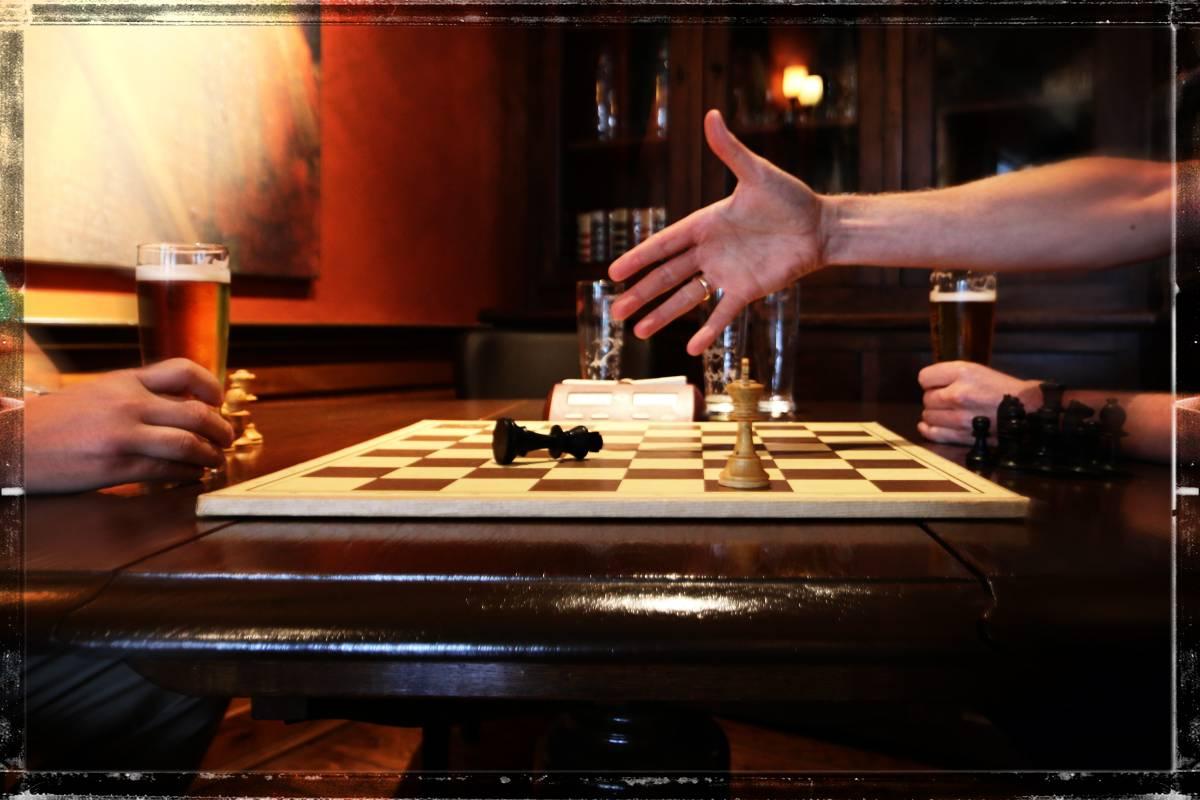 Maar waarschijnlijk door een biertje teveel zag wit teveel witte koningen en gaf het maar op...
