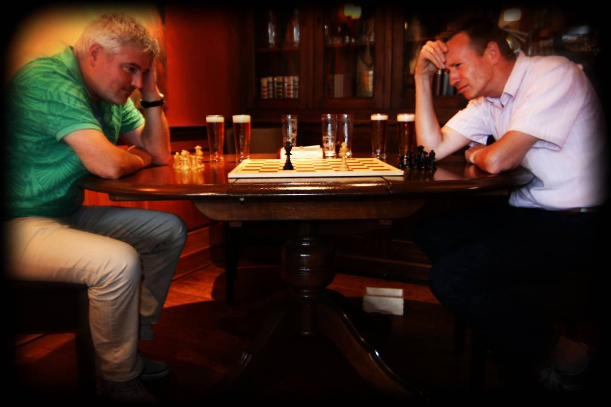 Voor de geoefende schaker niet een heel spannende stelling...