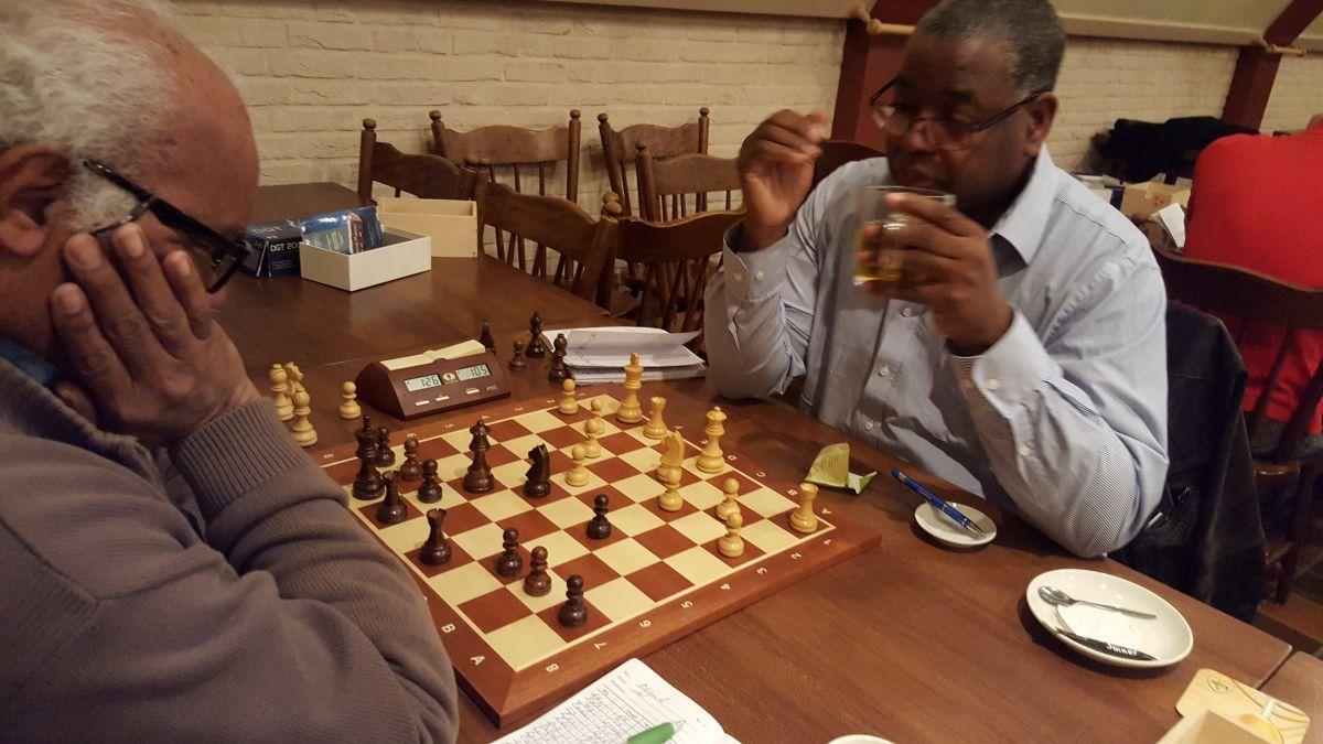 Eldon kwam tekort tegen Winston. Zelfs een poging tot onreglementaire zet werd door Winston doorzien :-).